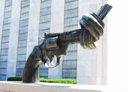 Un Sculpture Gun Control
